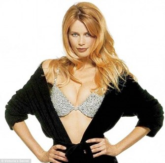 1415113682496_wps_95_Claudia_Schiffer_in_1996_