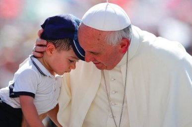 pope-francis-child-1